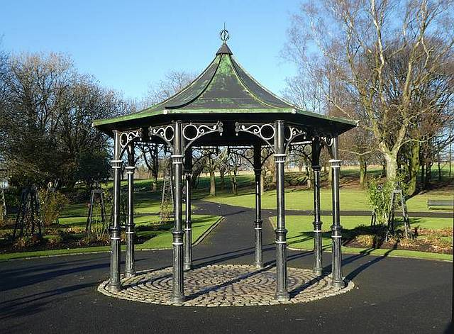 Tollcross Park Bandstand Day