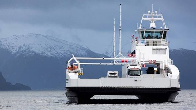 Ampere electric car ferry Pic credit Siemens